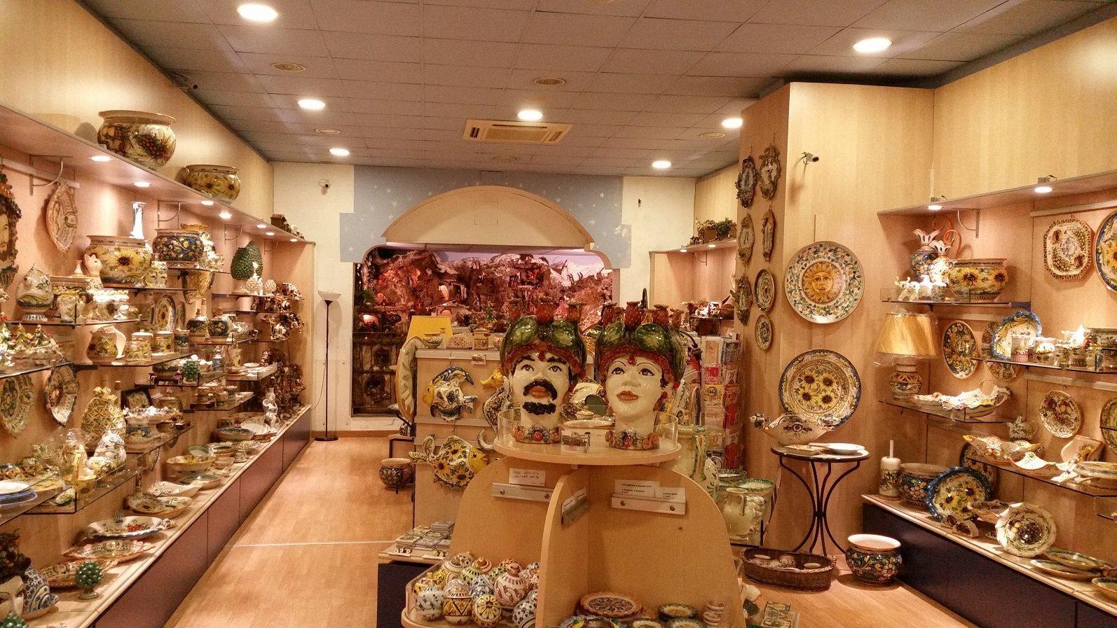 Ceramiche_Cannarozzo_Caltagirone_interno3